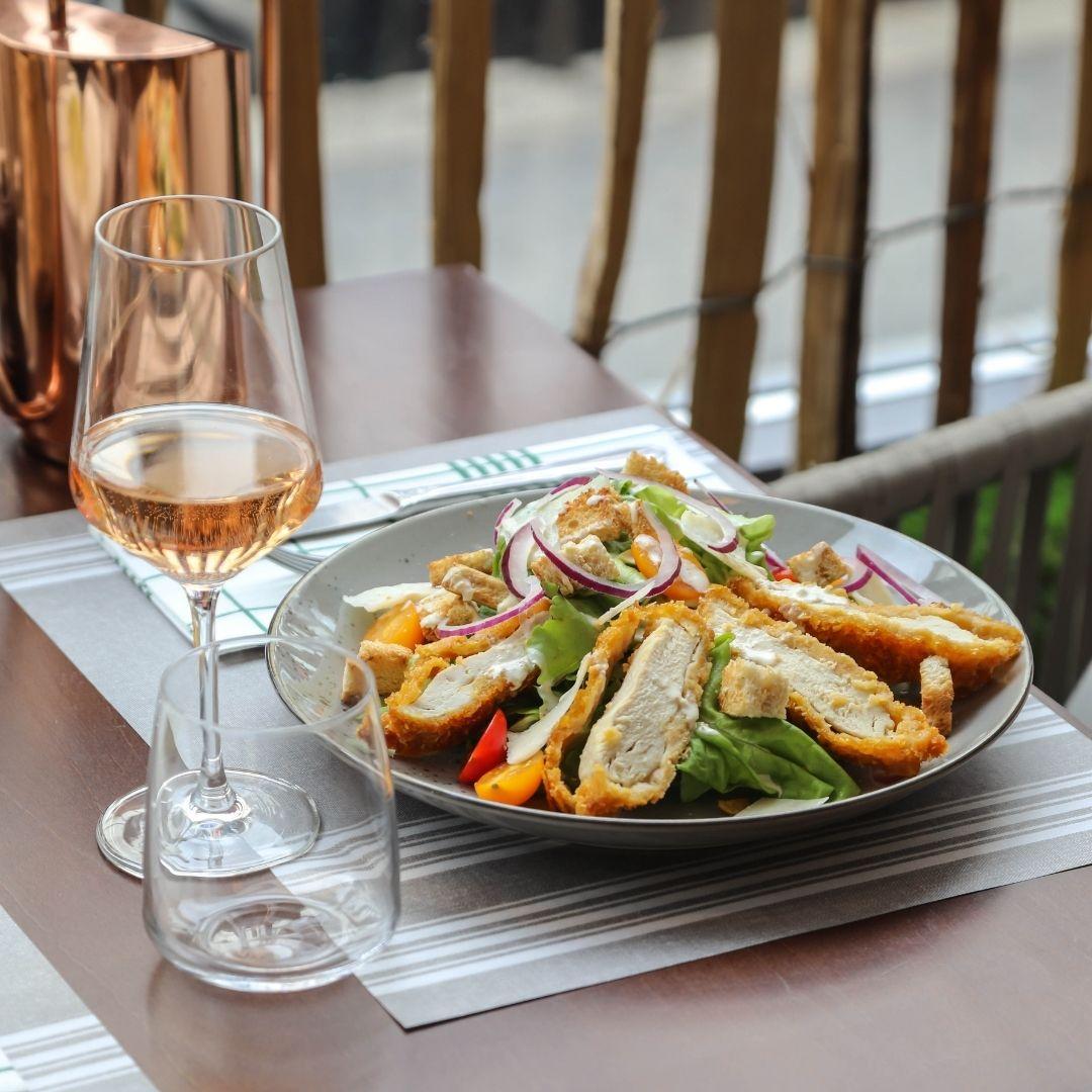 salade cesar au jardin d'hiver restaurant à brest